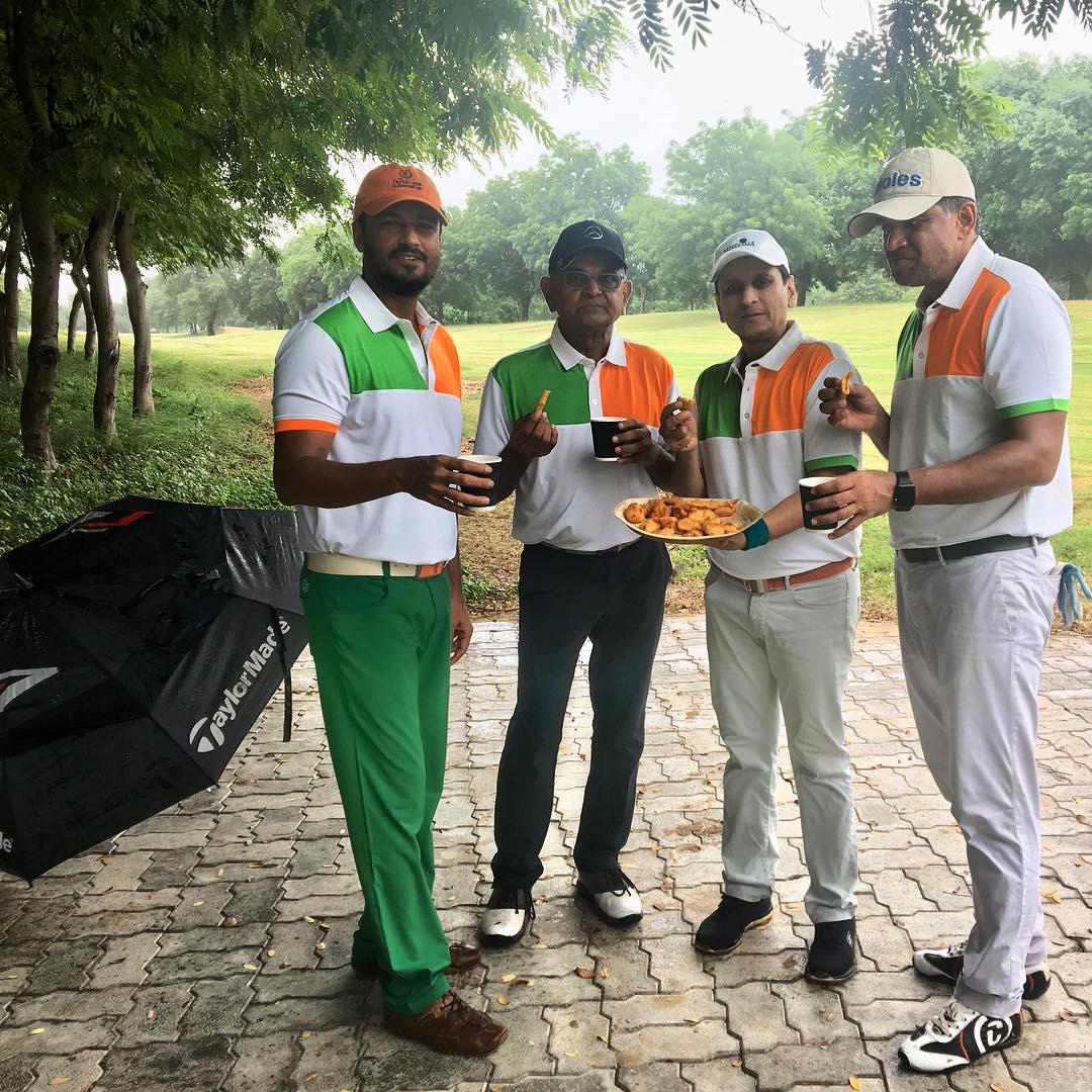 Monsoon golf with buddies! Chai and bhajia too.