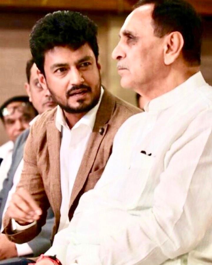 Happy birthday to one of the most hardworking, sensitive , ever smiling and easy to approach CM Sh Vijay Rupaniji 💐💐 wish you happy healthy and peaceful year ahead @vijayrupanibjp @GujaratCm @SavvyAhmedabad @CREDAINational @ASSOCHAM4India