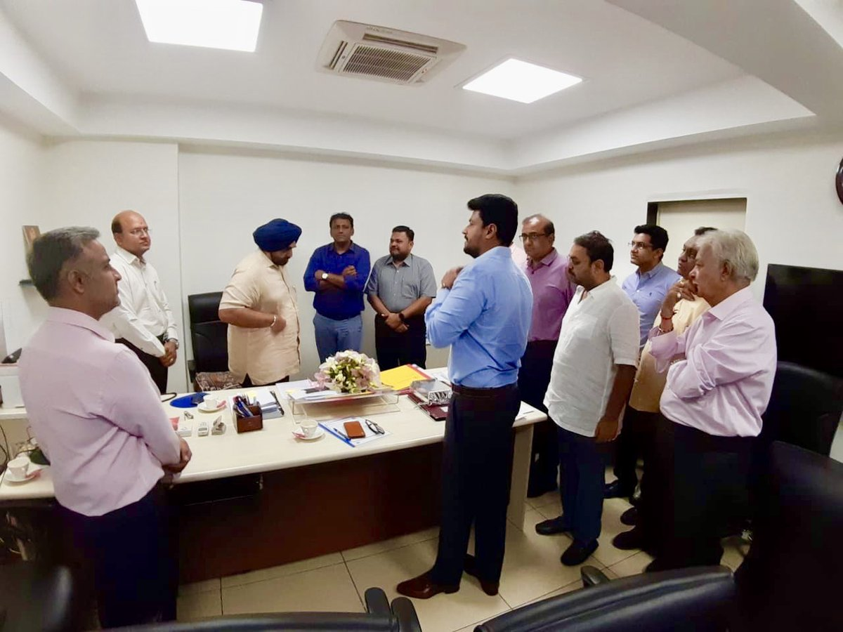 Great metg with RERA authority of Gujarat. 👍. Thanks for the patient and positive approach by Dr Amarjeetsinghji ,RERA chairman Gujarat. @SavvyAhmedabad @CREDAINational @ASSOCHAM4India@Gujarat RERA https://t.co/3nKrGdXoew