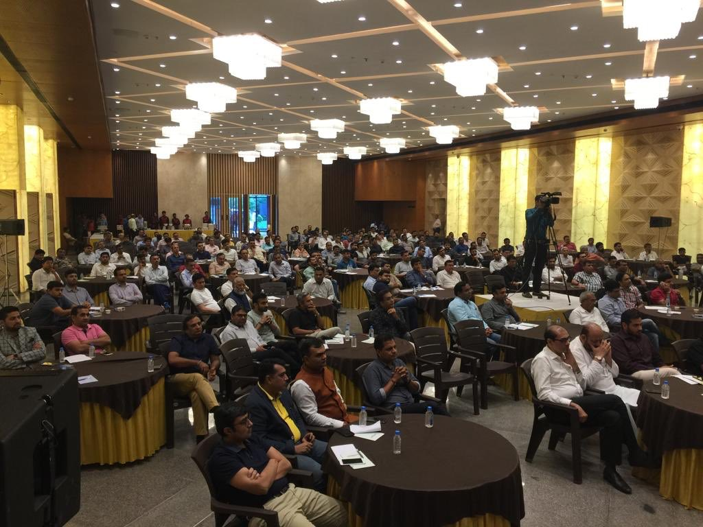 Had a great discussion about current situation of Real estate industry in Surat yesterday! @HardeepSPuri @narendramodi @CREDAINational  @ASSOCHAM4India @SavvyAhmedabad @Secretary_MoHUA @nsitharaman @ianuragthakur @sanghaviharsh @CRPaatil @credai_surat @TOISurat @collector Surat https://t.co/iccE4CIwwT
