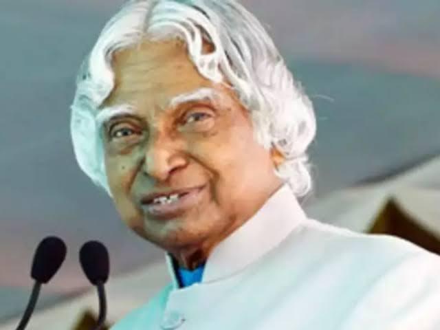 India respectfully remembers Dr. APJ Abdul Kalam on his 5th Death Anniversary. भारत रत्न, भूतपूर्व राष्ट्रपति, युवाओं के प्रेरणा स्रोत, महान वैज्ञानिक व शिक्षक, देश के गौरव